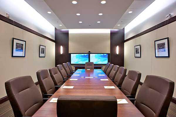 Ánh sáng trong thiết kế phòng họp trực tuyến