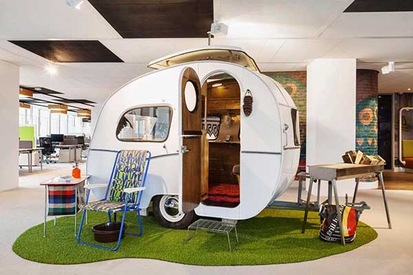 Thiết kế văn phòng làm việc mô hình xe caravan