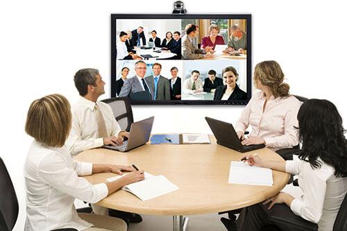 Màn hình hiển thị trong phòng họp trực tuyến nhất định không thể thiếu