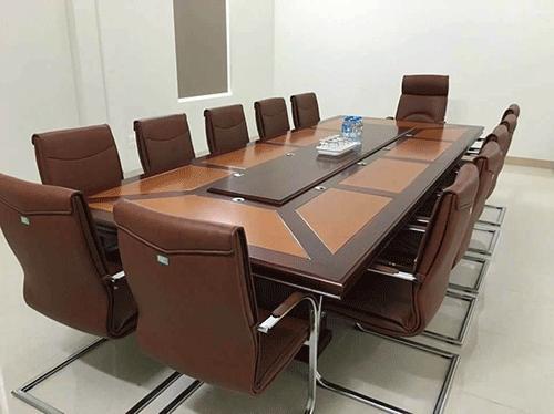 Mua nội thất phòng họp sang trọng cần chú ý tới điều gì?
