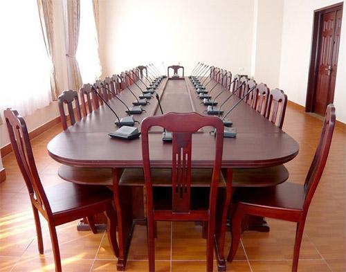 Lưu ý khi bố trí, sắp xếp bàn họp hội trường